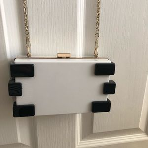 Nasty Gal Crossbody bag with gold chain